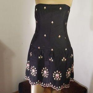 Shoshanna Embroidered scalloped hem gorgeous dress